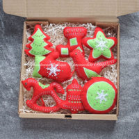 Набор красно-зеленых елочных игрушек из фетра (№13172, Готовая работа, 3000р.)