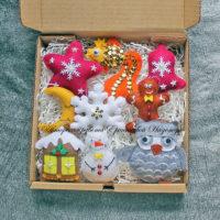 Набор елочных игрушек из фетра (№13970, Готовая работа, 2150р.)