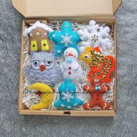 Набор елочных игрушек из фетра (№13973, Готовая работа, 2855р.)